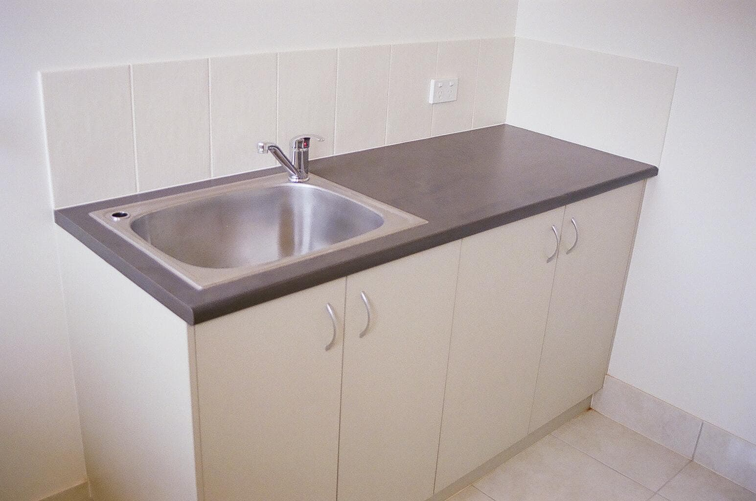 Built in Laundries - Chinchilla Kitchens 05